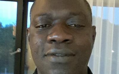 #Tostan30 : Edrisa, un coordinateur fier en Gambie